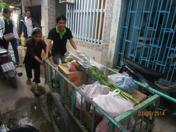 VnPro công tác từ thiện chùa Bửu Nghiêm